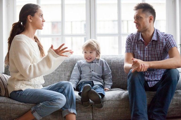 ¿Por qué los padres deben estar de acuerdo con la educación de sus hijos?