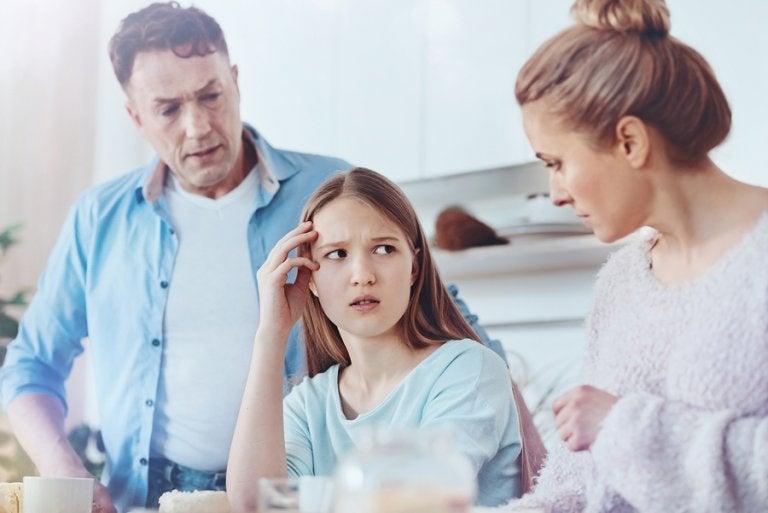 Mi hijo adolescente me miente, ¿qué hacer?