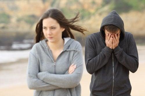 En el momento de la ruptura, tu hija necesitará todo tu apoyo y comprensión para superar el mal momento.