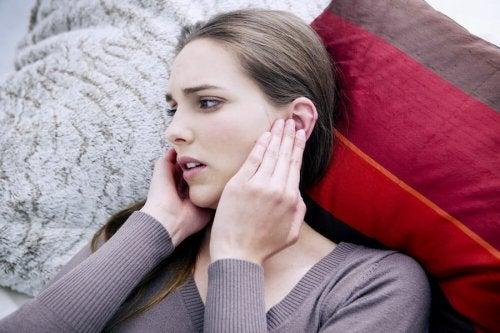 Pitido de oído: causas y soluciones