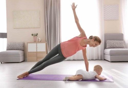 Cómo recuperarte físicamente tras el parto.