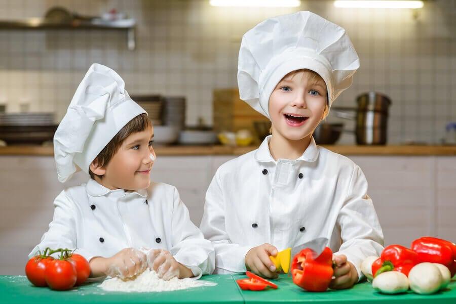 Ideas de regalos de primera comunión para niños a los que les guste cocinar: un delantal.