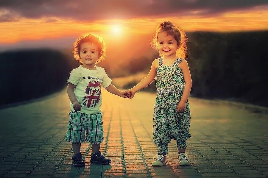 Enseñar tolerancia a los niños es fundamental para que tengan amistades sanas