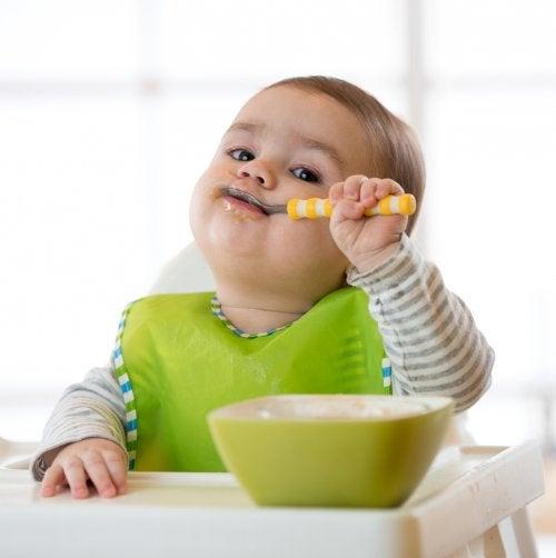 6 tipos de baberos para niños