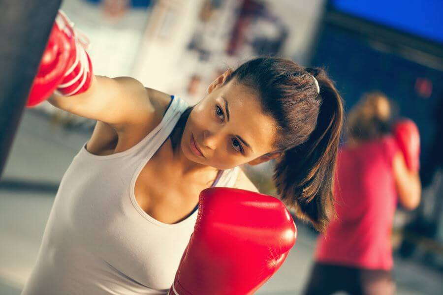 Durante el embarazo se deben evitar los ejercicios de alto impacto como el boxeo.