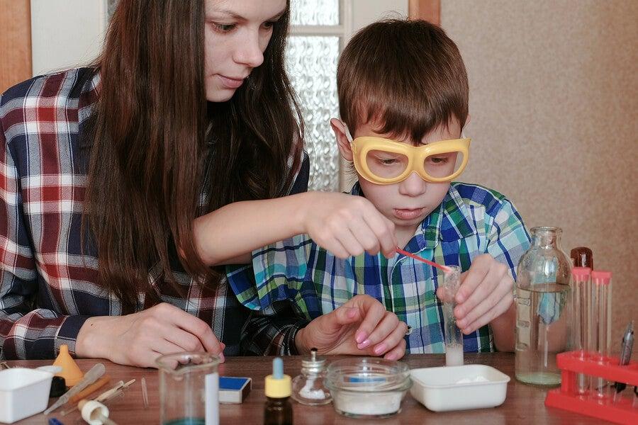 3 experimentos para disfrutar las ciencias en familia.
