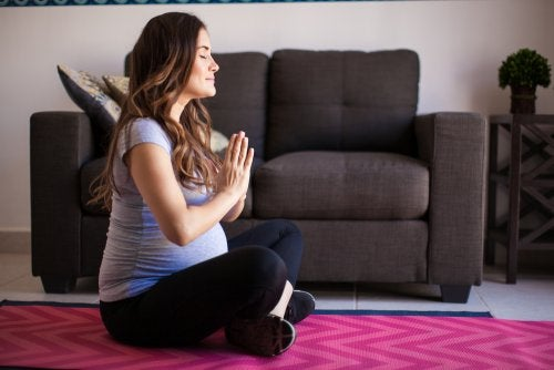 La meditación en el embarazo trae muchos beneficios.
