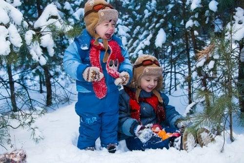 10 juegos en la nieve para compartir en familia