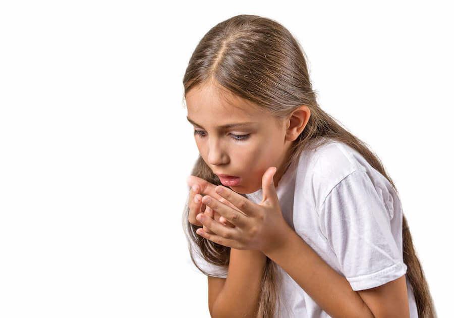 Los vómitos con sangre ocurren con frecuencia en niños. En la mayoría de los casos, estos episodios suelen desaparecer en 24 horas.
