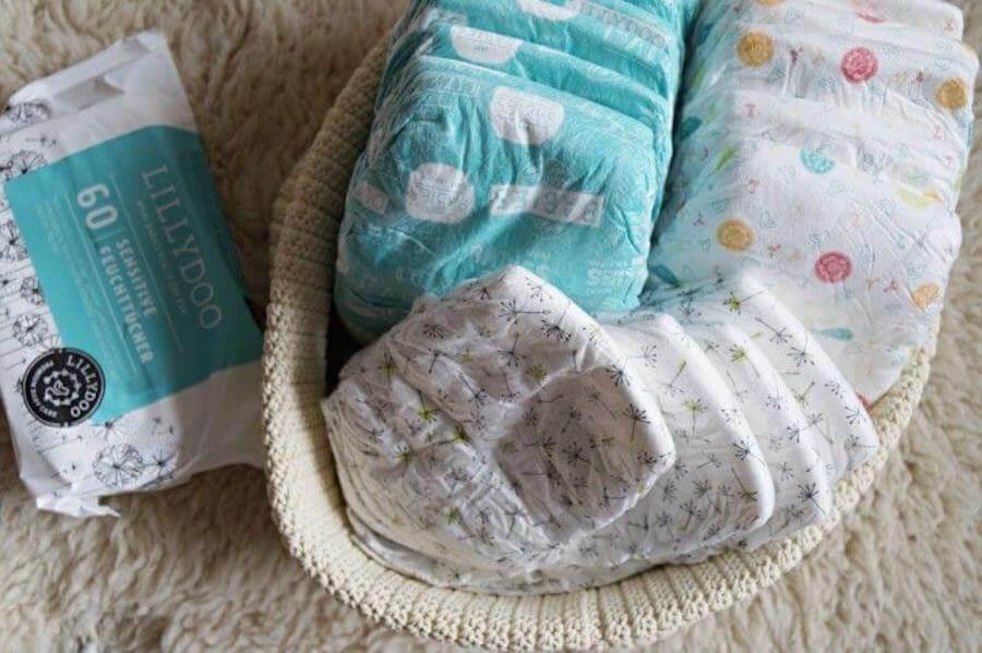 Toallitas y pañales para el bebé