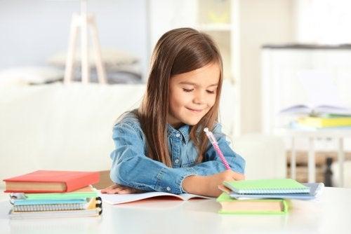 Diferencias entre estudiar de memoria y aprender