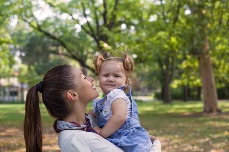 ¿Debemos obligar a los niños a dar muestras de afecto?