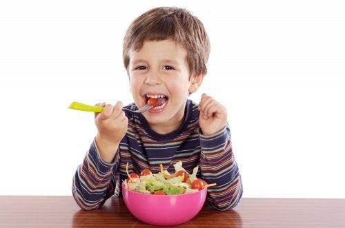 5 tipos de ensaladas para niños