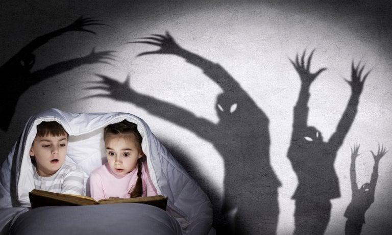 Cómo contar cuentos de miedo a los niños