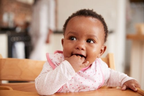 7 curiosidades sobre el lenguaje corporal de los bebés