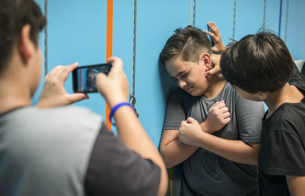 Ser testigo de acoso escolar