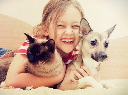Beneficios de crecer con una mascota