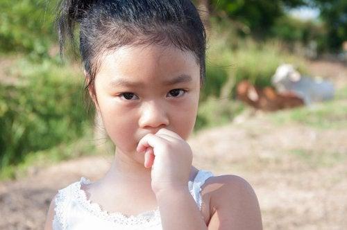 ¿Cómo evitar que los niños se muerdan las uñas?