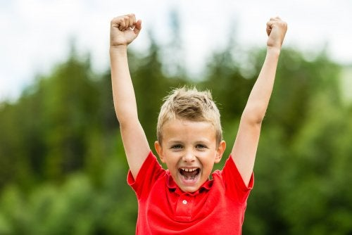 Criar niños con autoestima.