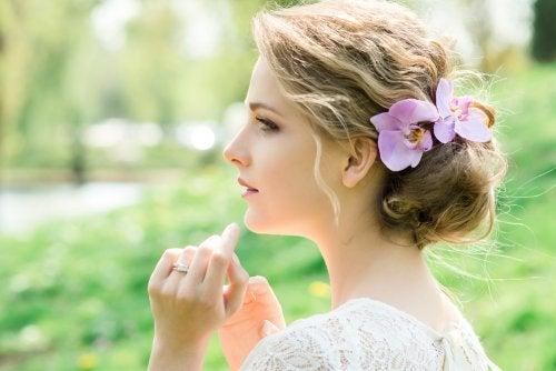Tocados con flores para novias