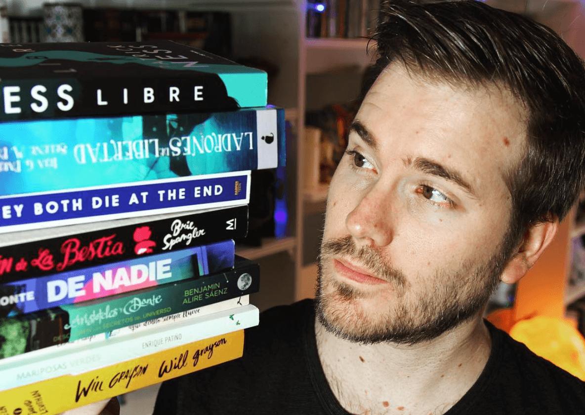 Booktubers, nueva tendencia en recomendación de libros.