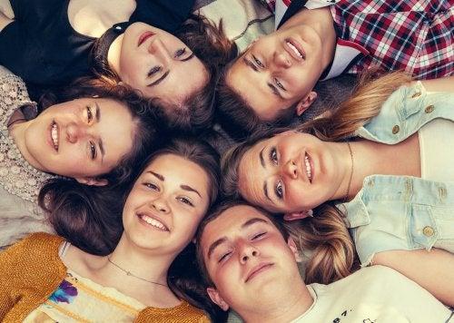 La importancia de las amistades en la adolescencia