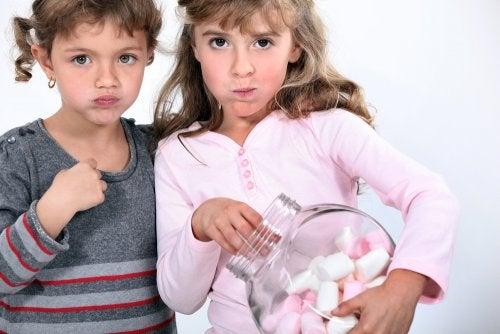 El Test del Marshmallow: la relación entre el autocontrol de los niños y el éxito.