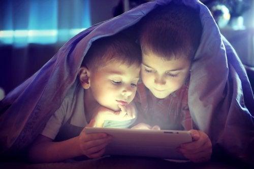 ¿Compartir habitación entre hermanos?