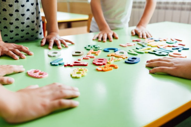 Juegos para enseñar el abecedario a los niños