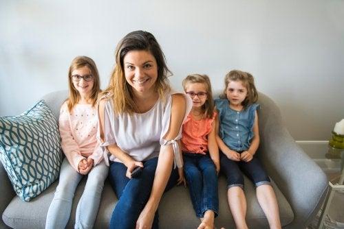 Diferencias entre madre soltera y familia monoparental.