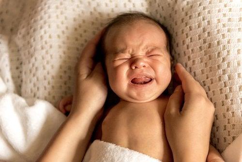 Cuando un bebé llora para liberar estrés es bueno para él