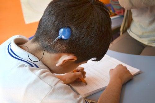 Necesidades educativas de los niños con sordera
