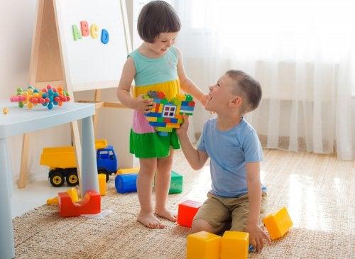 Enseñar a los niños a compartir en Educación Infantil.