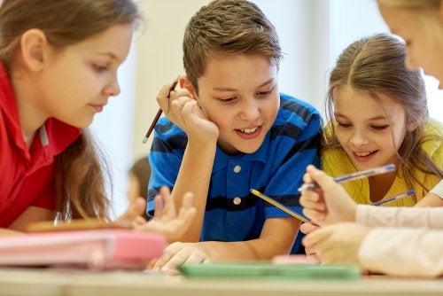 ¿Cómo fomentar el aprendizaje cooperativo en niños?