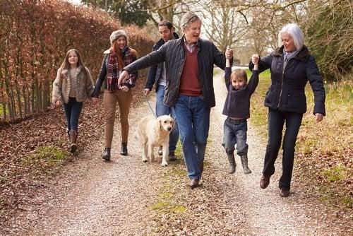 Verano en casa de los suegros: claves para la convivencia