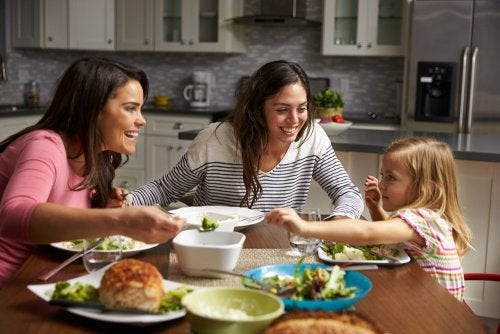 Psychological Tips for Helping Your Children Eat Well
