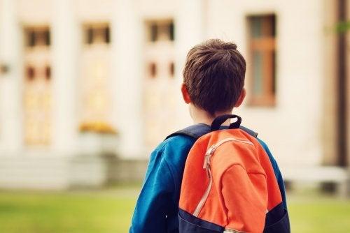 ¿Se puede cambiar de colegio al niño sin el consentimiento del otro cónyuge?