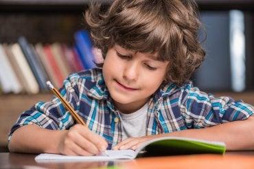 Cómo aprender a escribir con la pauta Montessori