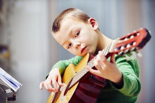 Los alumnos que estudian música rinden más en ciencias