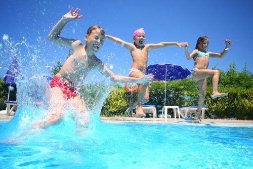 Aspectos legales que debe cumplir una piscina pública