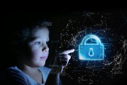 5 riesgos de seguridad en internet para niños y adolescentes