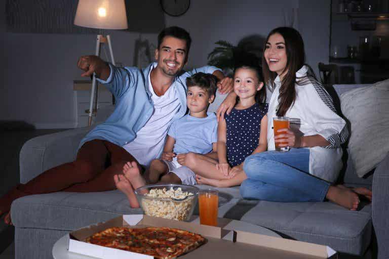 Ideas para una gran sesión de cine familiar en casa