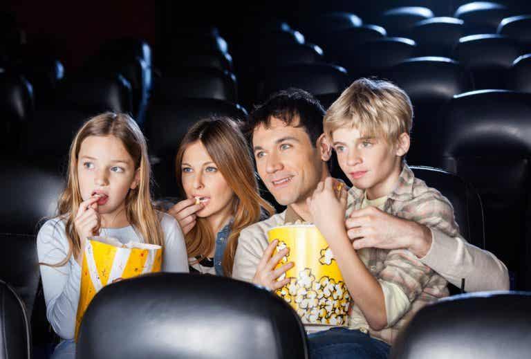 ¿Qué significan las calificaciones de las películas para niños?