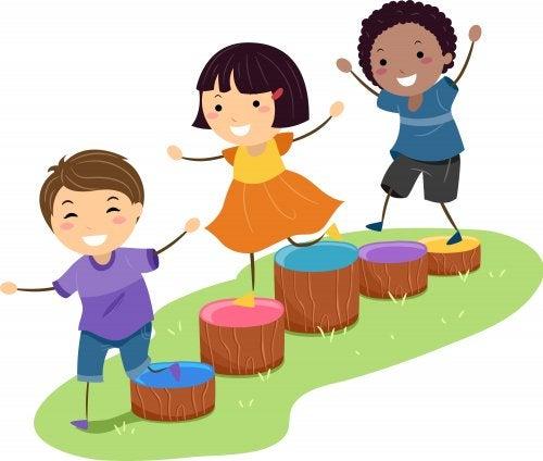 Juegos en la naturaleza para niños.