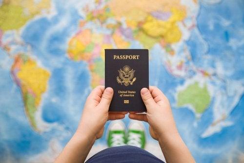 ¿A qué edad pueden los niños tener pasaporte?