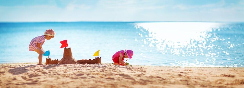 Normas de seguridad para ir a la playa con nuestros hijos