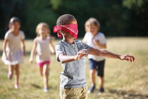 5 juegos en la naturaleza para niños