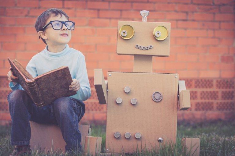4 juguetes hechos con cartón para tus hijos