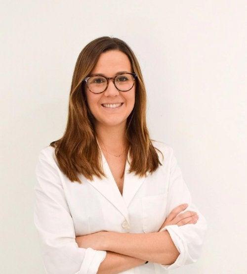 """Entrevista a Rocío Gil Redondo: """"en el caso del acné, las soluciones mágicas no existen"""""""
