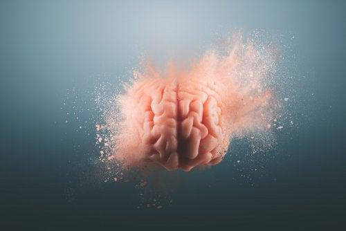 Cerebro explotando.